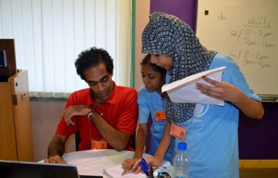 Sana and Ekra interview Stephen to find out how much he knows about what diabetes patients should eat.