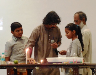 Aarti to perform candle experiment