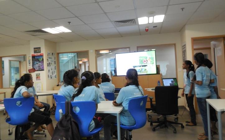 Sonali, Pratiksha and Pratiksha presenting in ALF